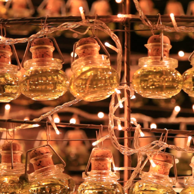 Small olive oil bottles for Christmas in L'Isle sur la Sorgue